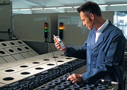 Máy đo độ dày lớp phủ (xi, mạ, sơn) cầm tay DELTASCOPE  FMP10 Fischer